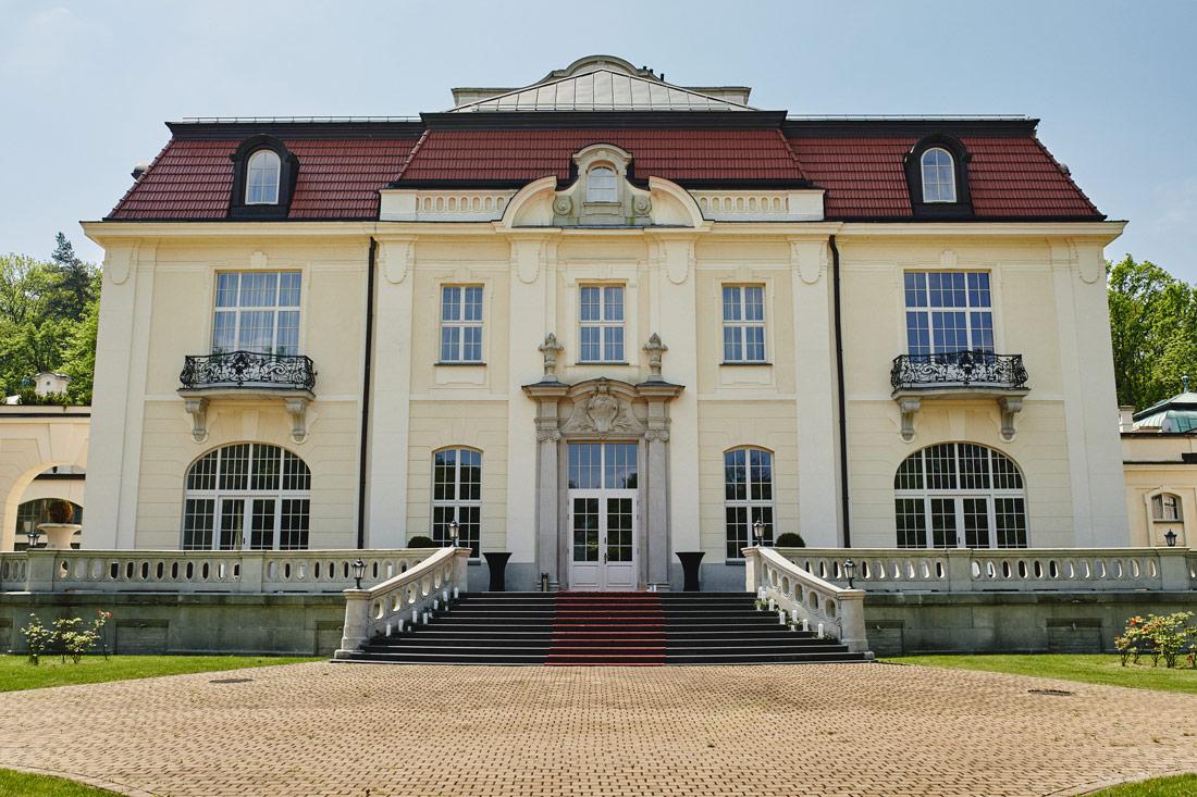 Pałac Goetza w Brzesku